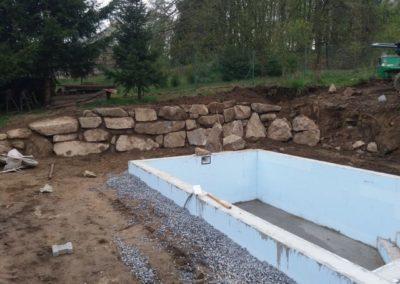 Opěrná zeď s kamene