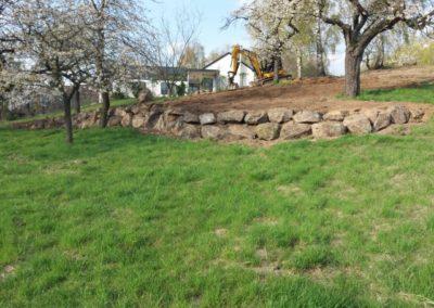 Opěrná zeď s kamene I