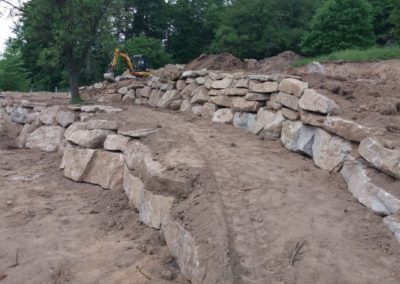 Opěrná zeď s kamene II